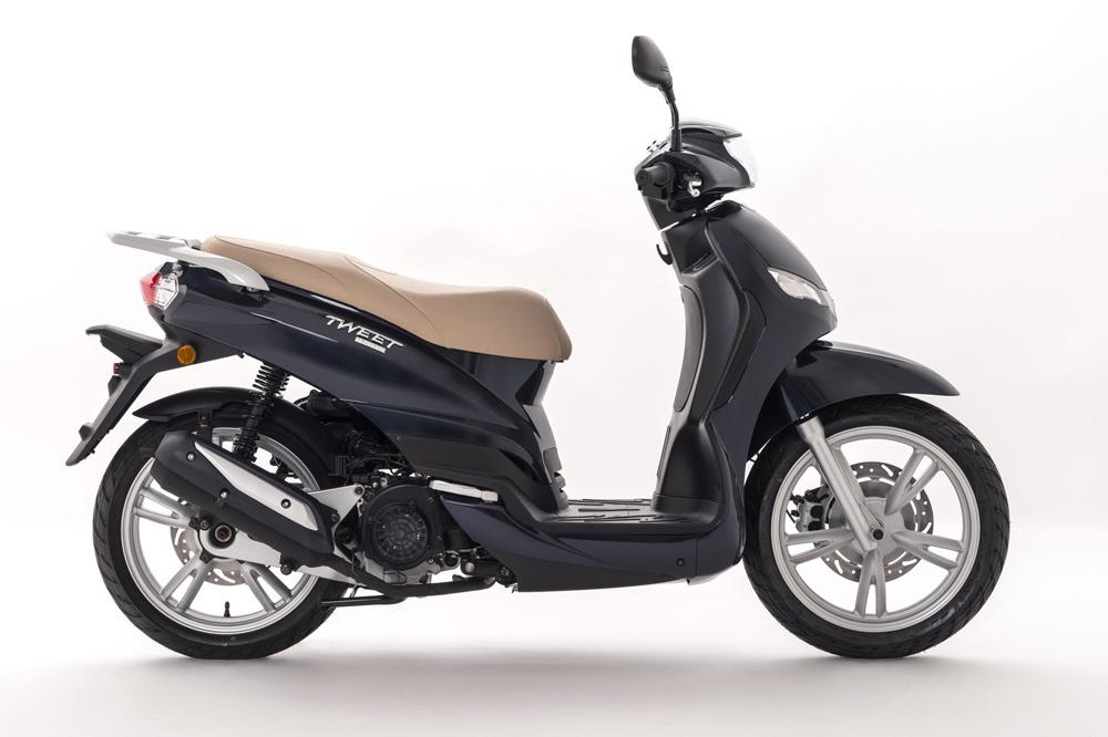peugeot scooter tweet 125 2018 moto1pro. Black Bedroom Furniture Sets. Home Design Ideas